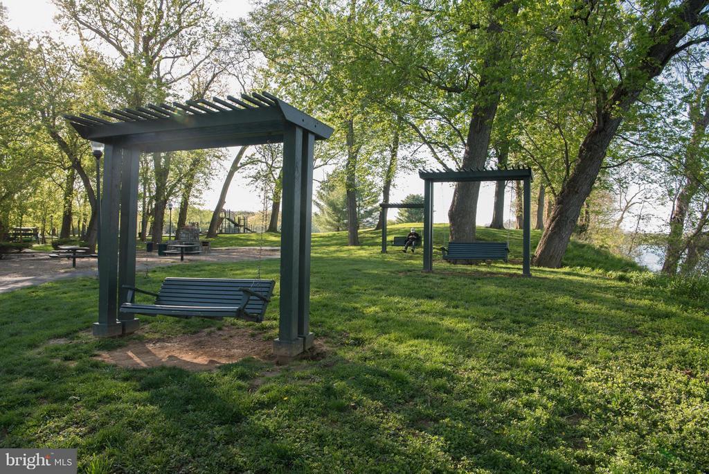8 Acre Park overlooking Potomac & Goose Creek - 43531 FIRESTONE PL, LEESBURG