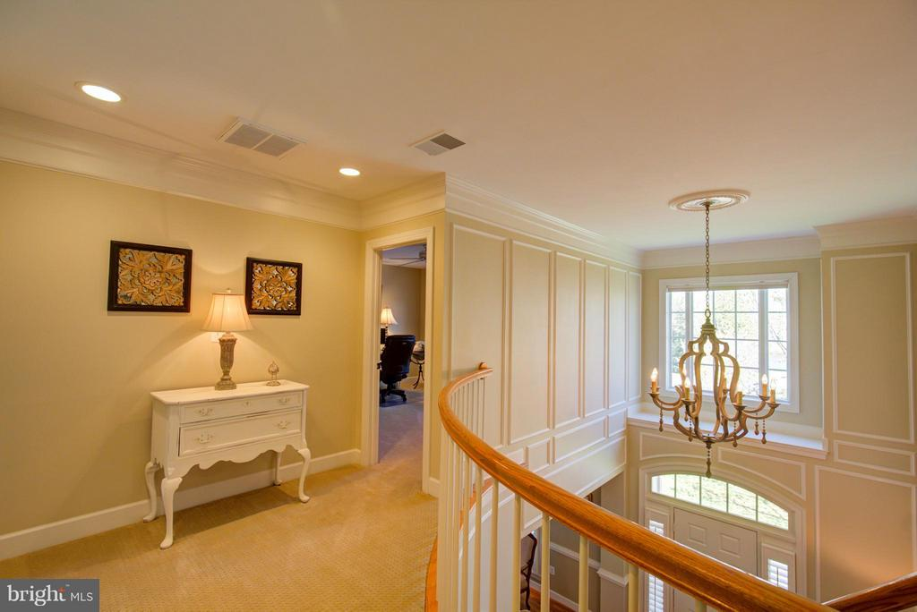 Foyer with custom lighting - 43531 FIRESTONE PL, LEESBURG