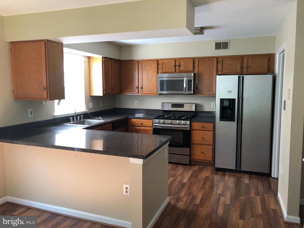 Kitchen - 15437 WINDSONG LN, DUMFRIES