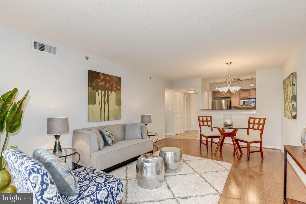 Open layout! - 1024 UTAH ST #721, ARLINGTON