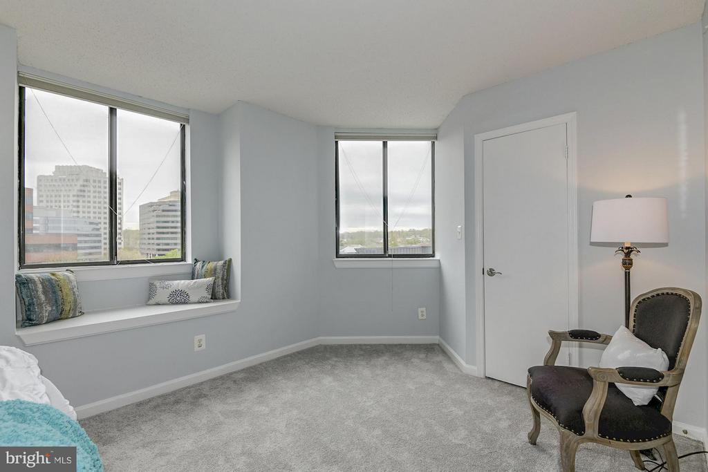 Perfect space for additional bedroom furniture - 1024 UTAH ST #721, ARLINGTON