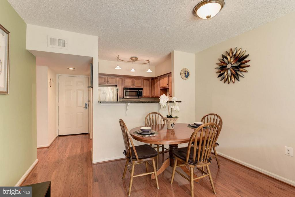 DINING ROOM - SEPARATE SPACE FOR DINING! - 1001 RANDOLPH ST N #320, ARLINGTON