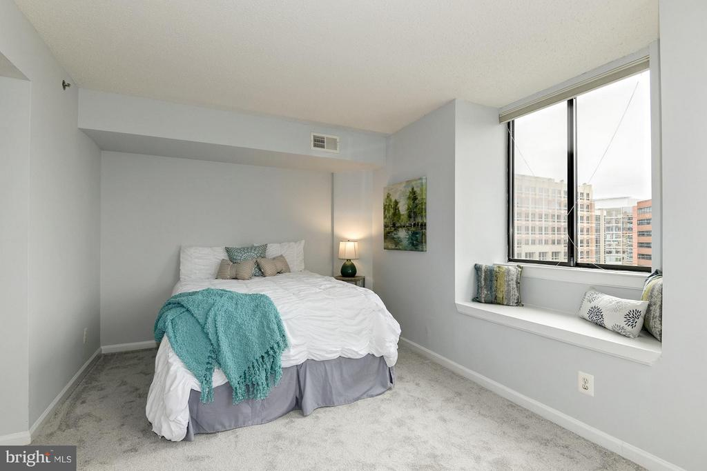 Second bedroom! - 1024 UTAH ST #721, ARLINGTON