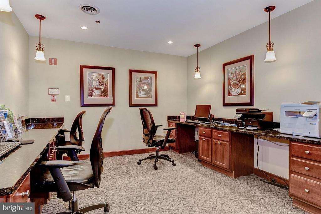 Business lounge - 1024 UTAH ST #721, ARLINGTON