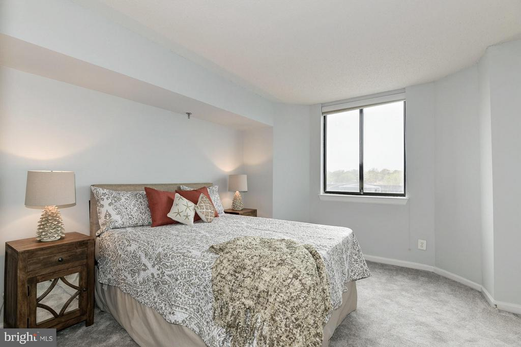 Master bedroom! - 1024 UTAH ST #721, ARLINGTON