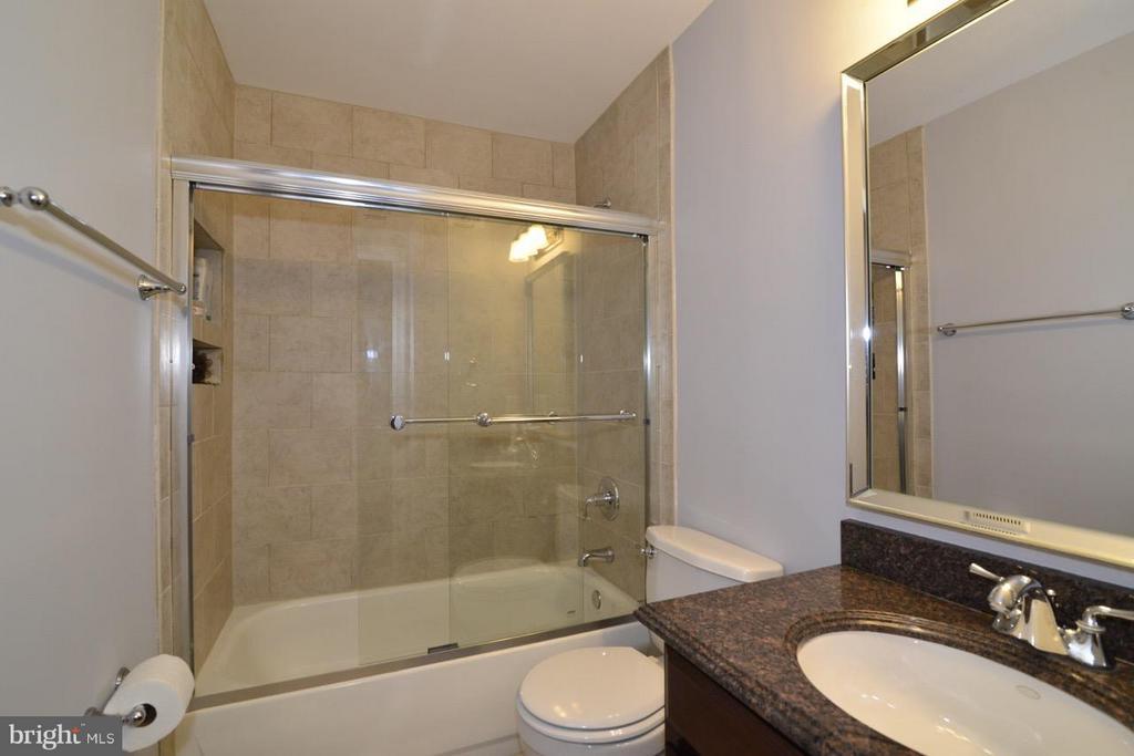 Second Bath - 14714 CALVARY PL, CENTREVILLE