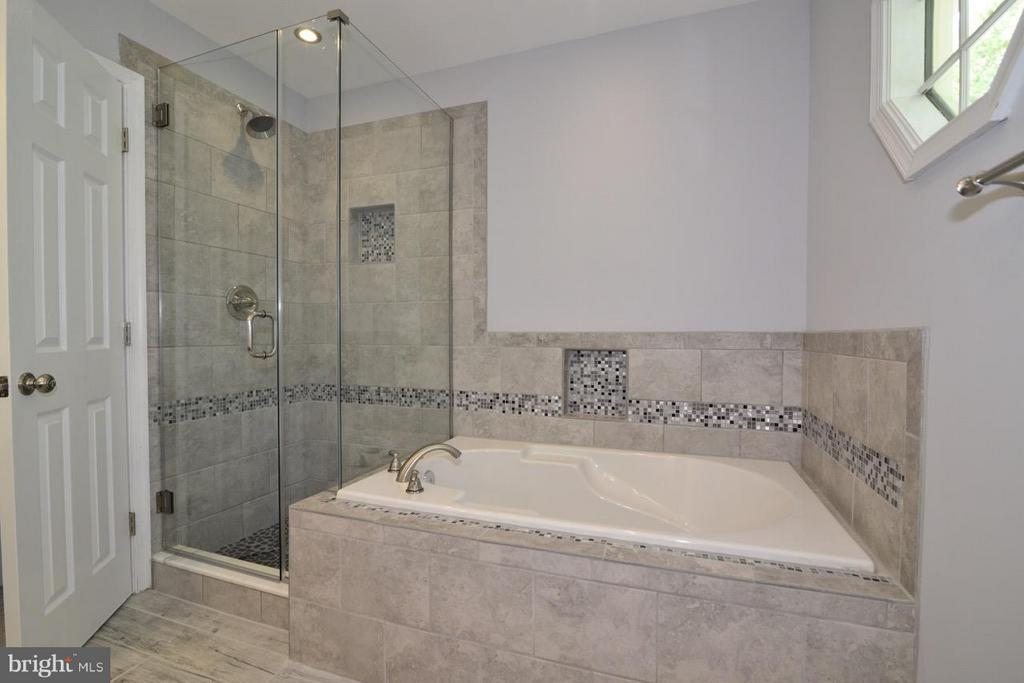 Master Bath - 14714 CALVARY PL, CENTREVILLE
