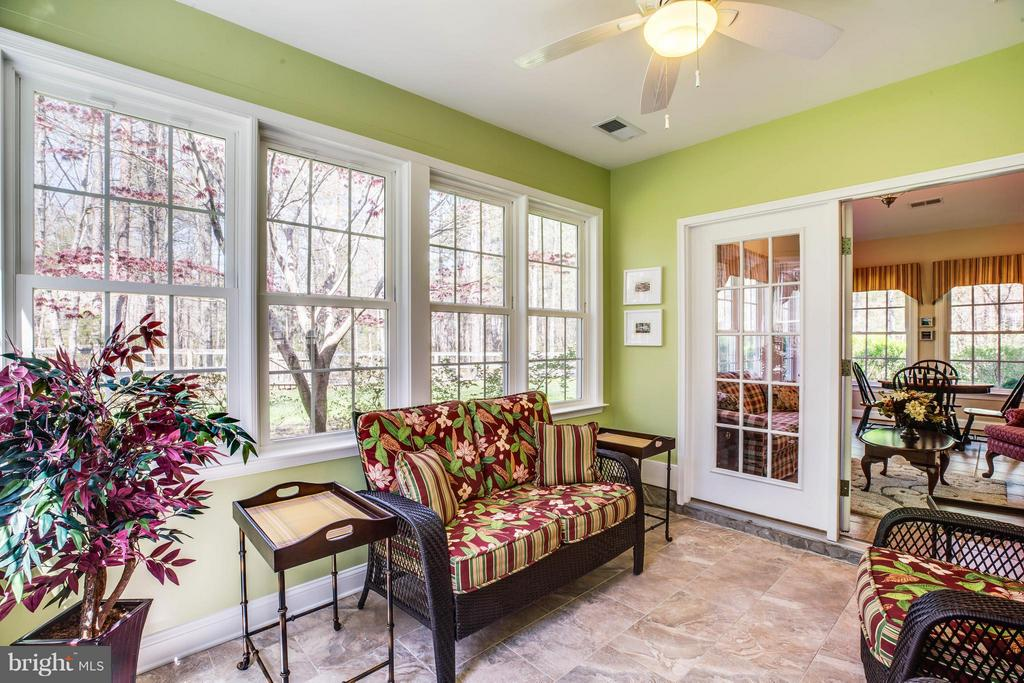 Beautiful sun room with ceiling fan - 11306 FIELD CIR, SPOTSYLVANIA