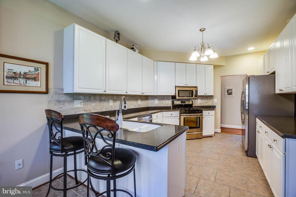Kitchen - 11306 FIELD CIR, SPOTSYLVANIA