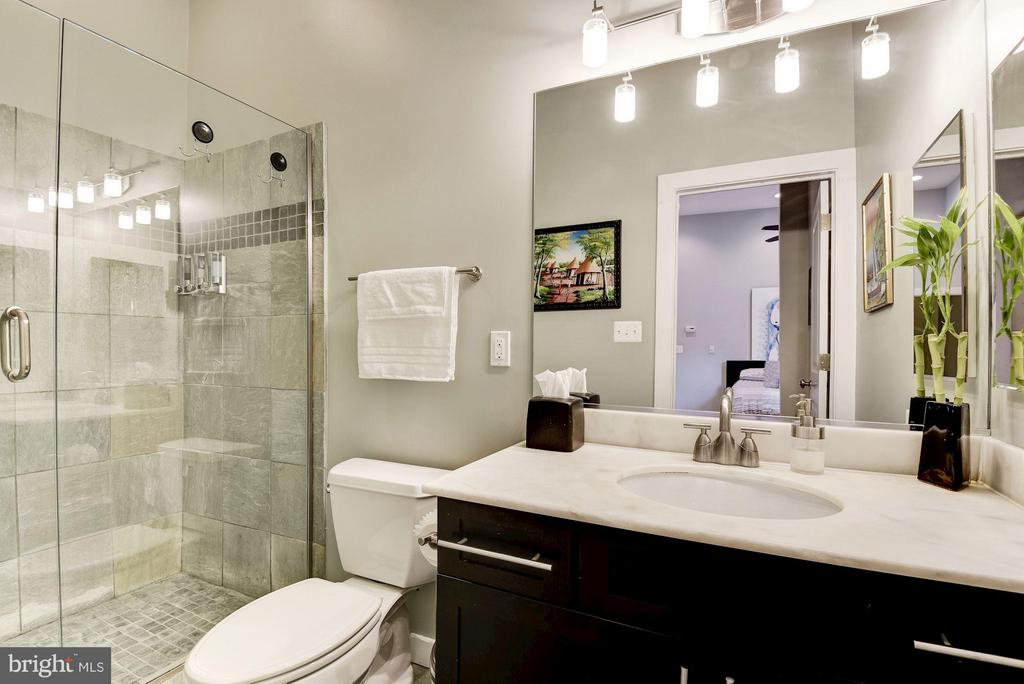 Master bath w/ glass door shower - 1303 CLIFTON ST NW #4, WASHINGTON