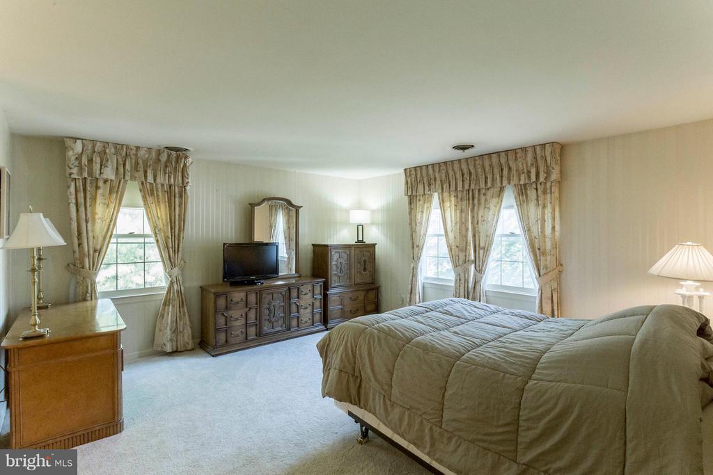 Bedroom (Master) - 6613 SADDLEHORN CT, BURKE