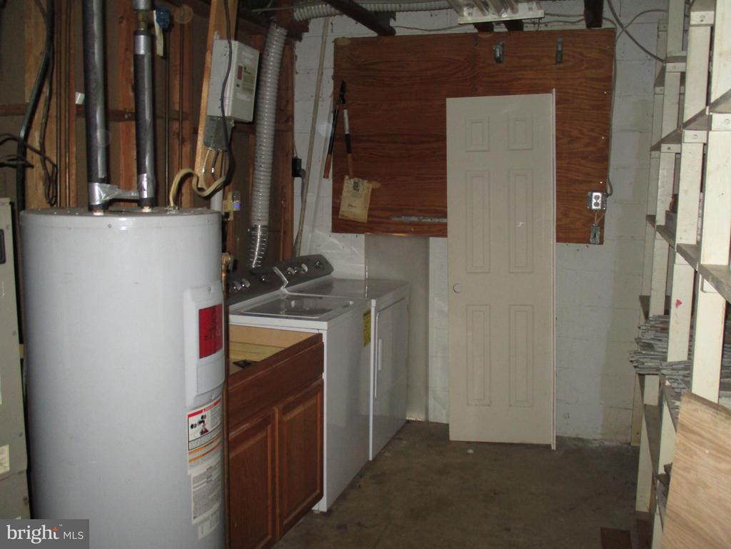 Utility and Laundry Room in Basement - 11 WAYSIDE CT, STAFFORD