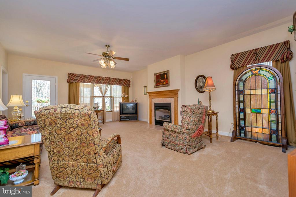 Living Room - 1101 EASTOVER PKWY, LOCUST GROVE