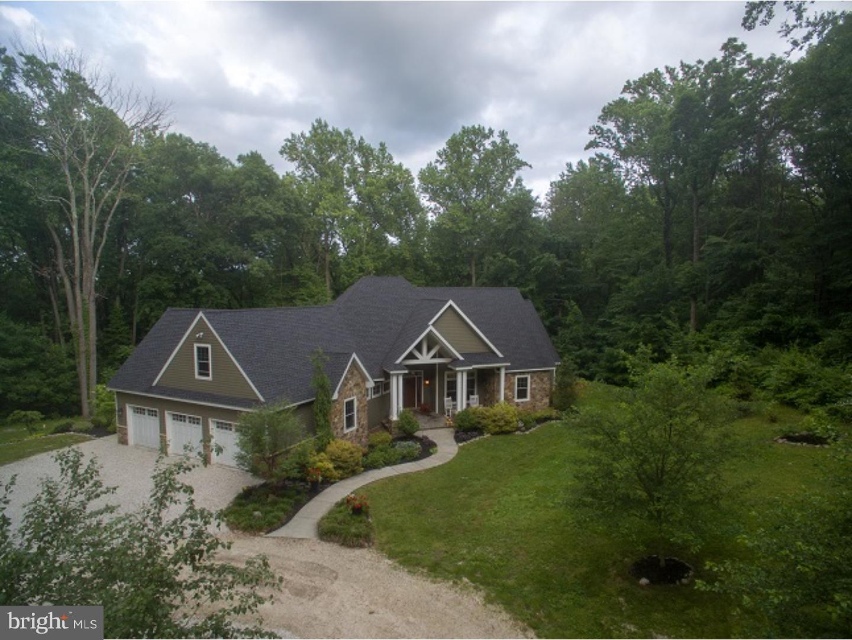 独户住宅 为 销售 在 27 SALANECK Road Douglassville, 宾夕法尼亚州 19518 美国在/周边: Union Township