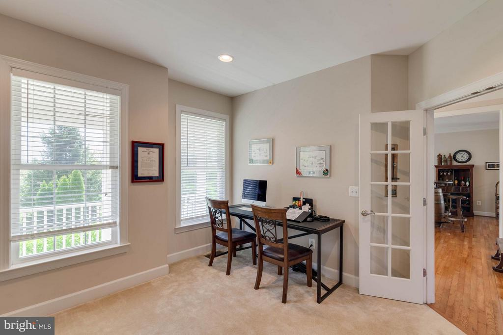 office - 23247 CHRISTOPHER THOMAS LN, ASHBURN