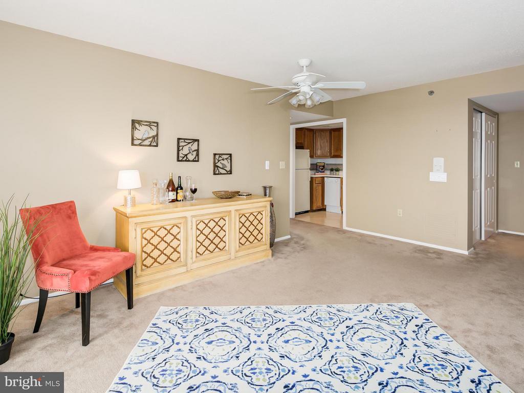 Living Room - 900 TAYLOR ST #2029, ARLINGTON