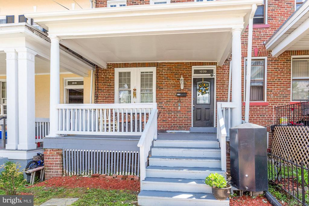 Wonderful rowhome filled with charm - 1220 INGRAHAM ST NW, WASHINGTON