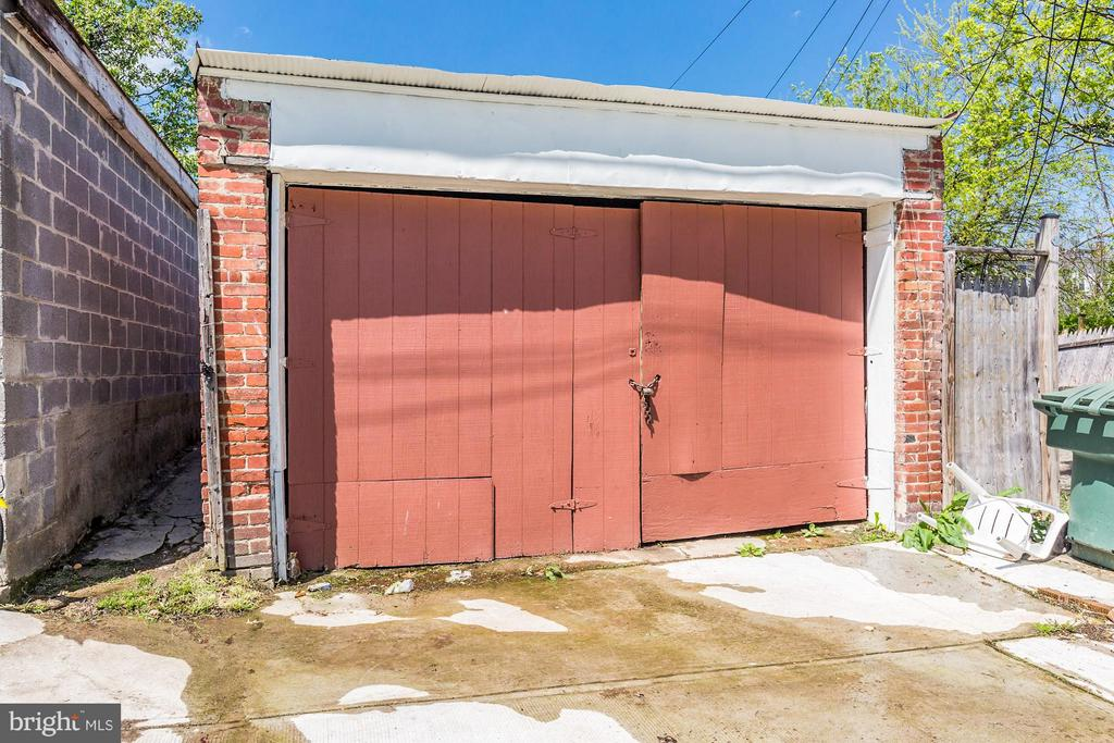 Detached garage - 1220 INGRAHAM ST NW, WASHINGTON