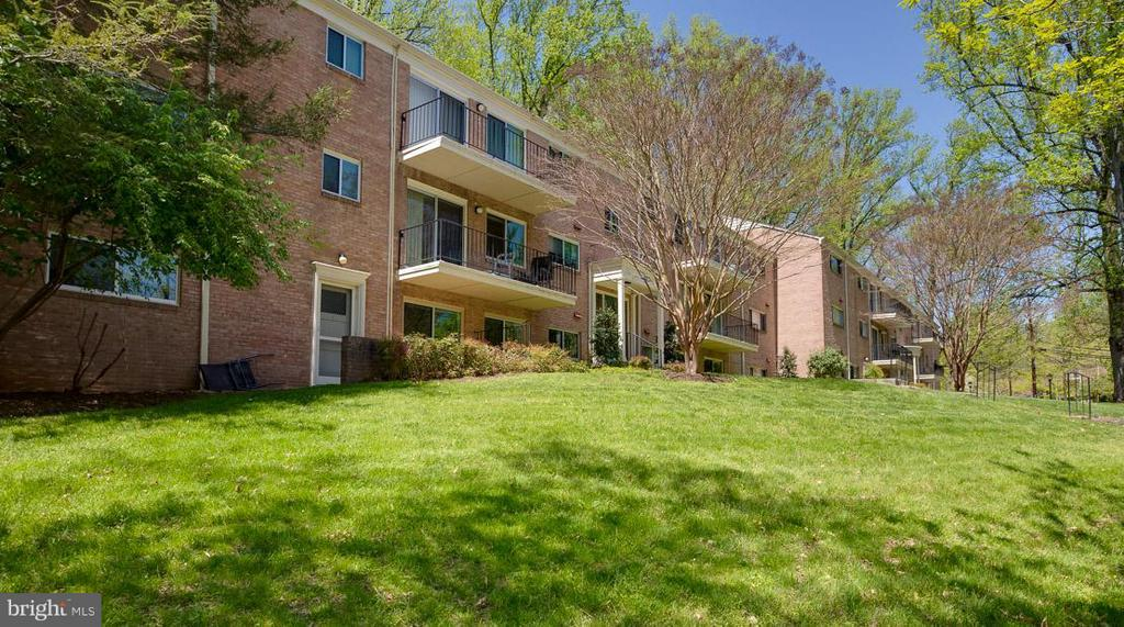 Exterior (Front) - 10530 MONTROSE AVE #M-102, BETHESDA