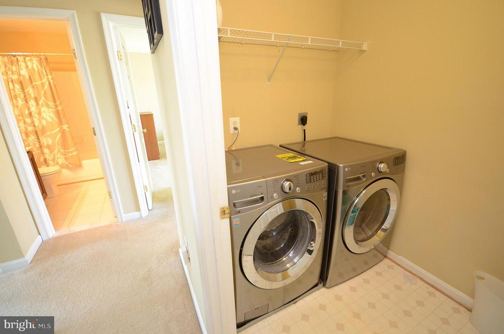 Upper Level Laundry Room w/new washer dryer - 35791 CHAPEL HILL CT, ROUND HILL