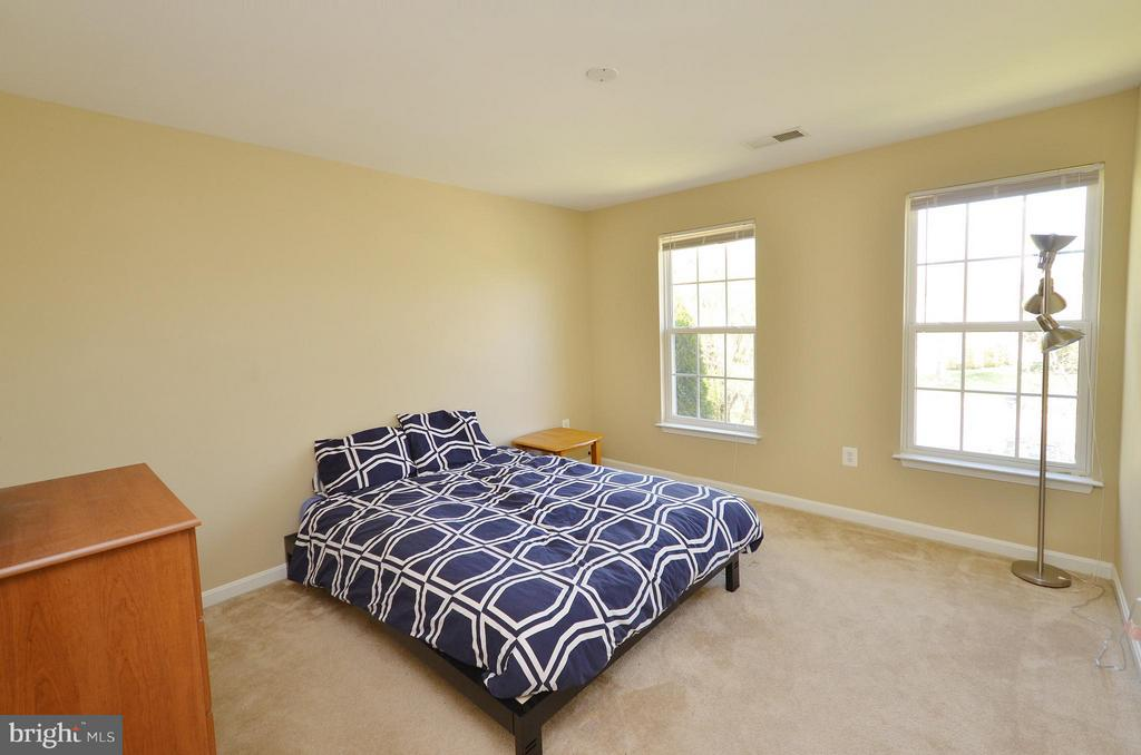 Spacious Bedroom #1 - 35791 CHAPEL HILL CT, ROUND HILL