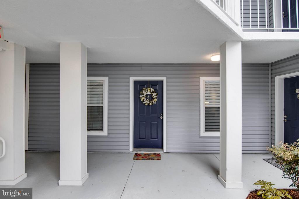 Welcome to your new home! - 3179 SUMMIT SQUARE DR #2-B6, OAKTON