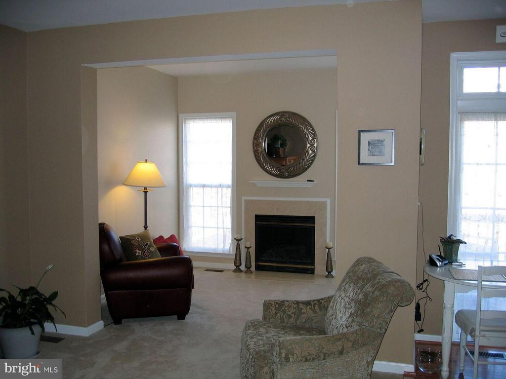 Sunroom off Kitchen and Family Room - 21934 WINDY OAKS SQ, BROADLANDS
