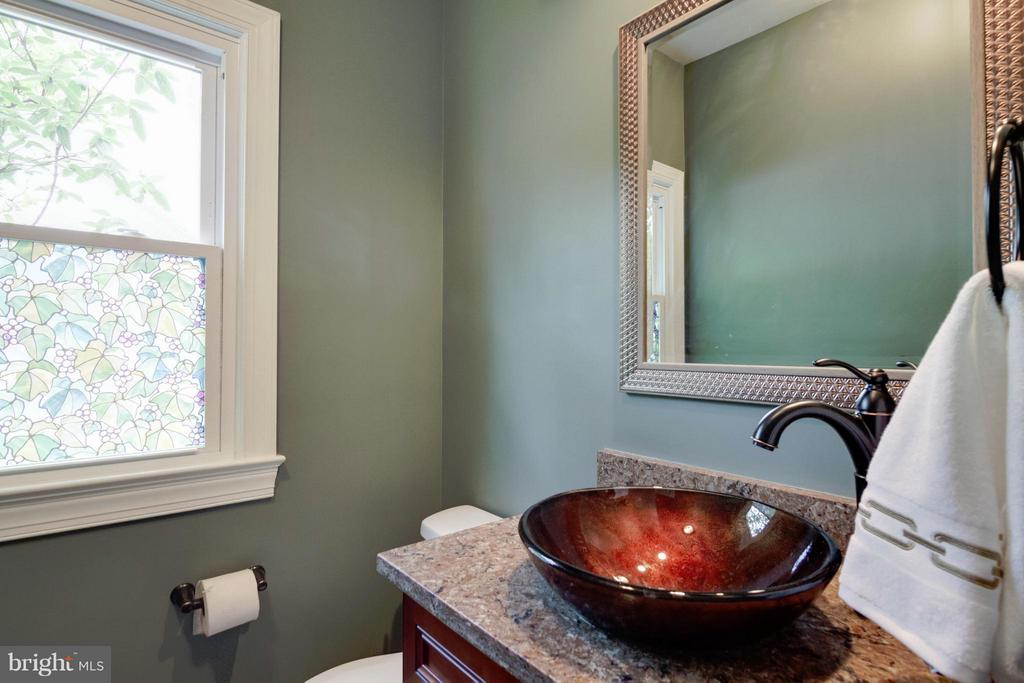 Powder Room - 4220 KERSEY CIR, DUMFRIES