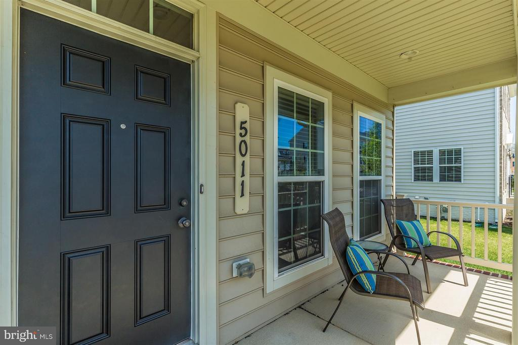 Relax on your front porch! - 5011 SMALL GAINS WAY, FREDERICK
