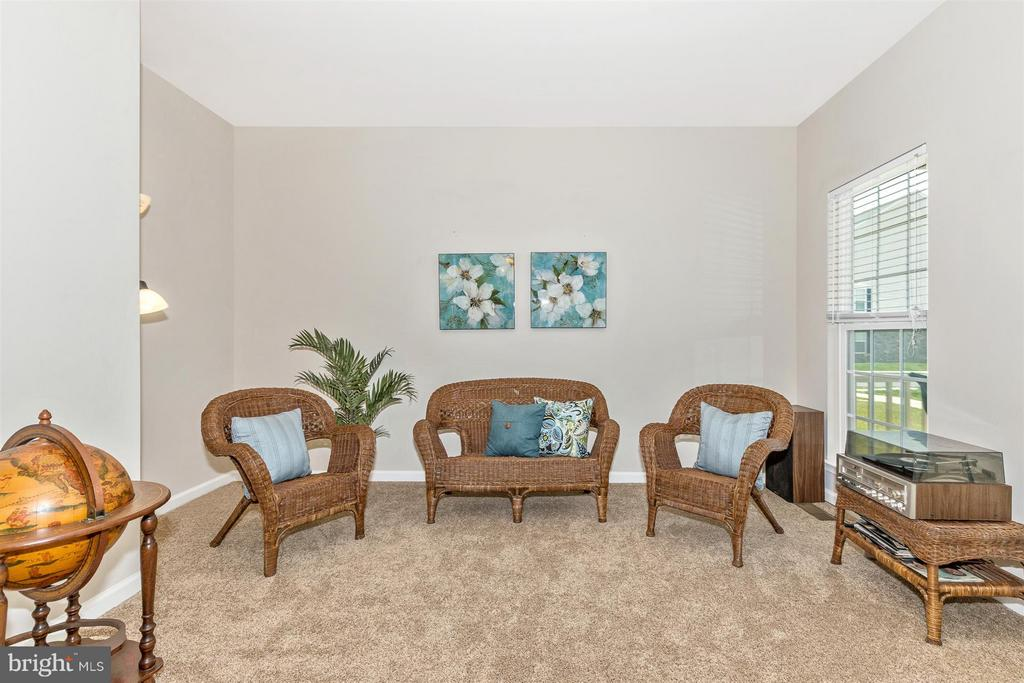 Living Room with tons of light! - 5011 SMALL GAINS WAY, FREDERICK