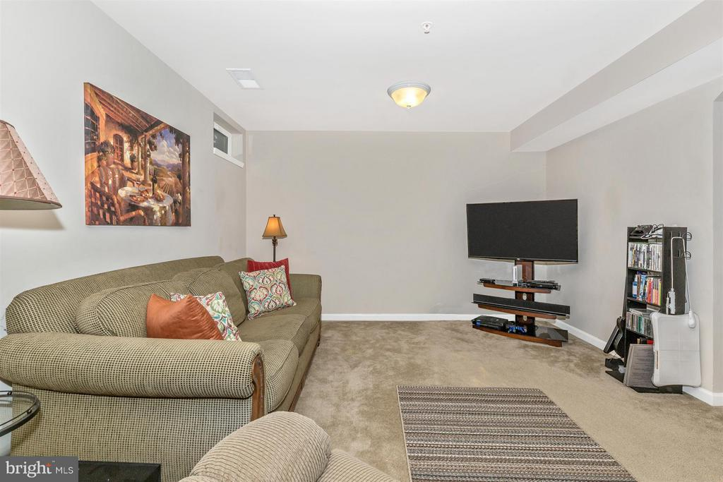3rd living area! - 5011 SMALL GAINS WAY, FREDERICK