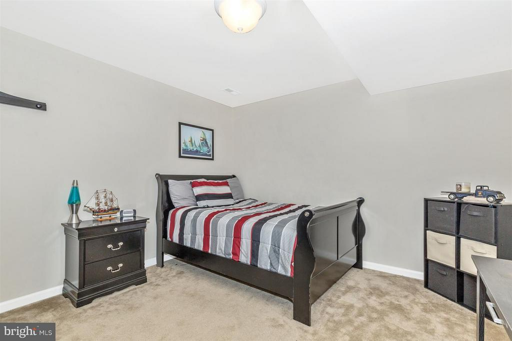 Separate possible 4th bedroom - 5011 SMALL GAINS WAY, FREDERICK