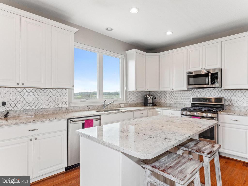 Kitchen - 35943 SHREWSBURY CT, ROUND HILL
