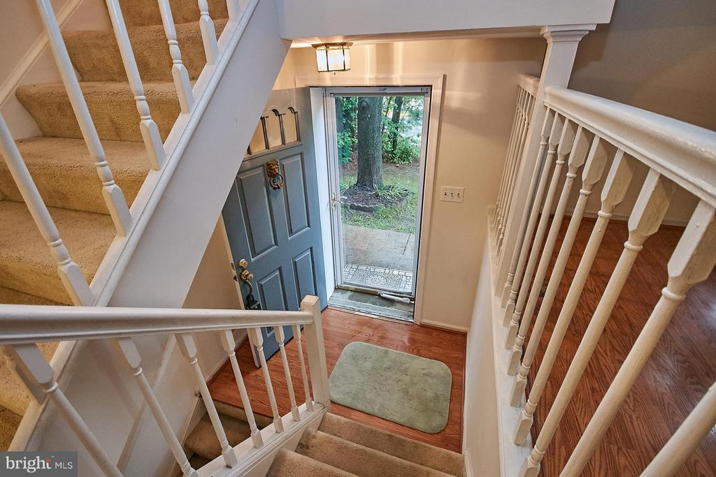 Entry Foyer - 10882 OAK GREEN CT, BURKE
