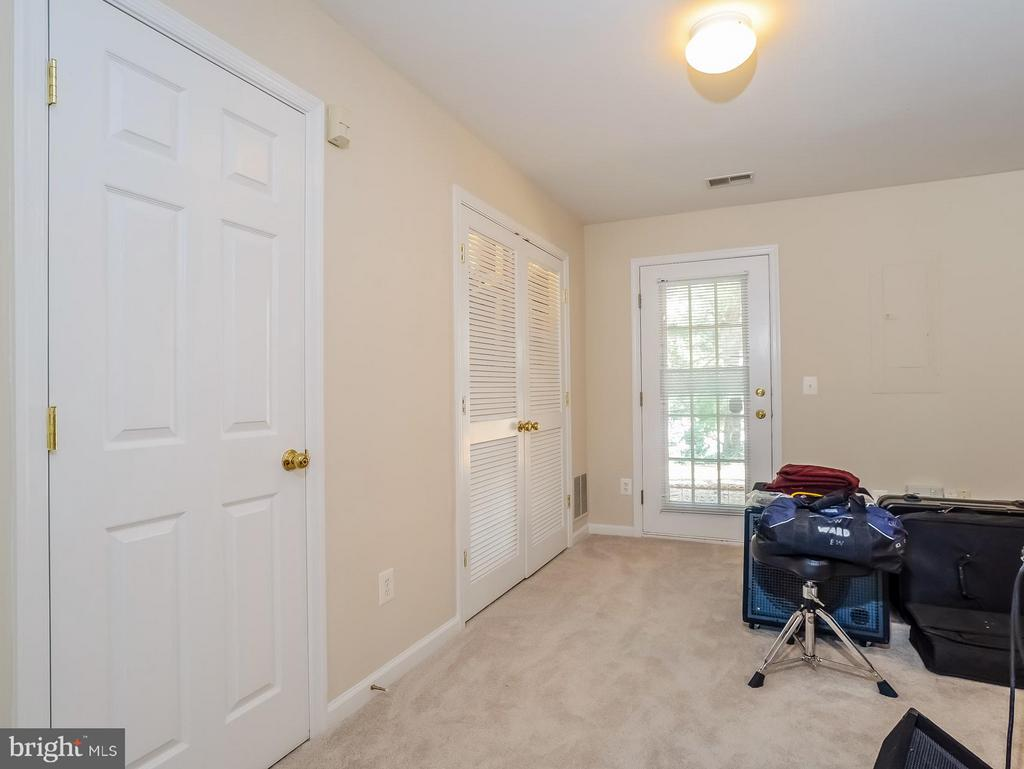 Family Room/Rec Room - 11438 ABNER AVE, FAIRFAX