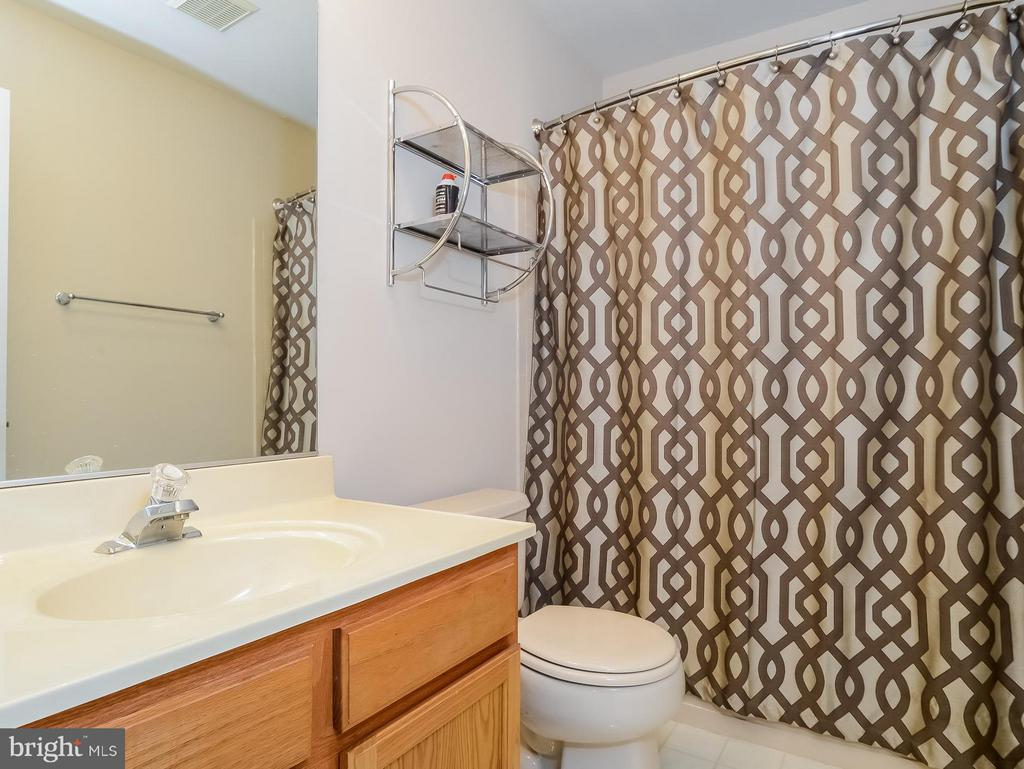 Full Bath for Second and Third BRs - 11438 ABNER AVE, FAIRFAX