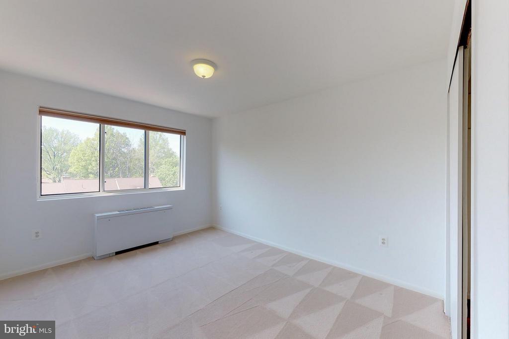 Big Window in Bedroom 2 - 200 MAPLE AVE #604, FALLS CHURCH