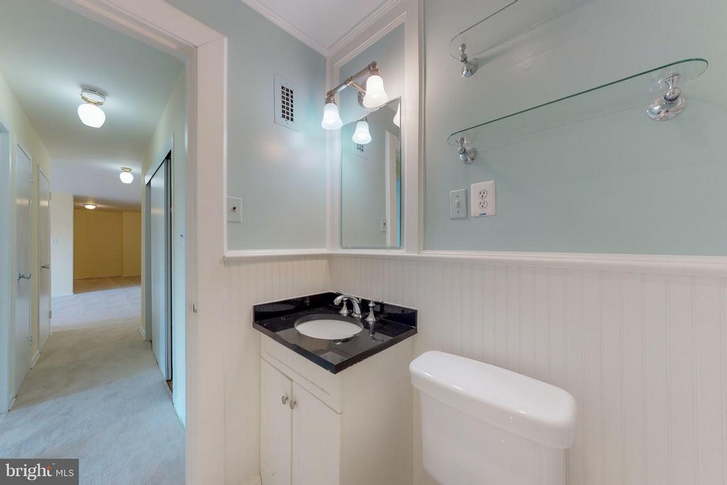 Wainscoting Adds a Timeless Touch - 200 MAPLE AVE #604, FALLS CHURCH