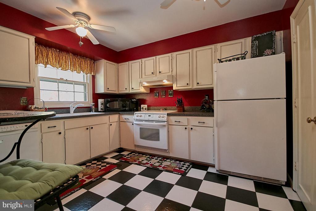 Kitchen - 5959 QUEENSTON ST, SPRINGFIELD