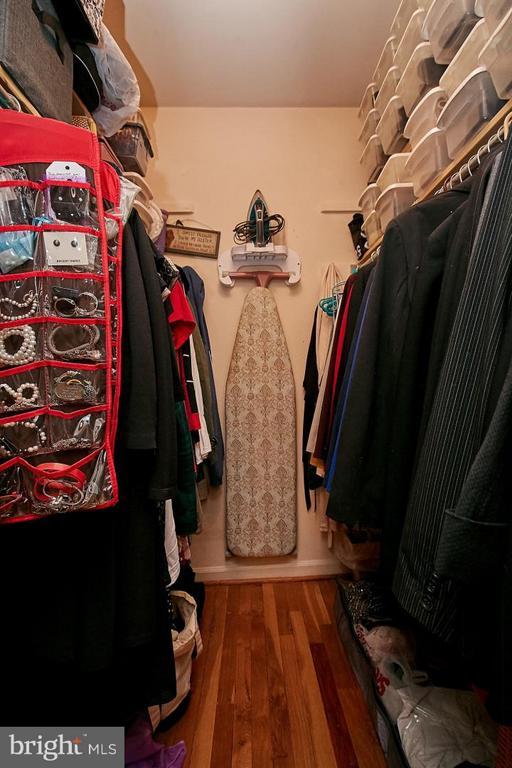 Walk-in closet - 5959 QUEENSTON ST, SPRINGFIELD