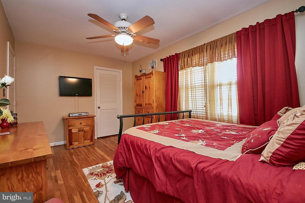 Bedroom (Master) - 5959 QUEENSTON ST, SPRINGFIELD