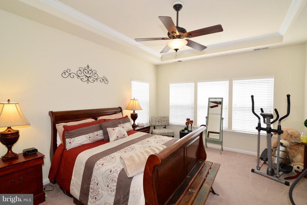 Master Bedroom - 4661 CARISBROOKE LN, FAIRFAX