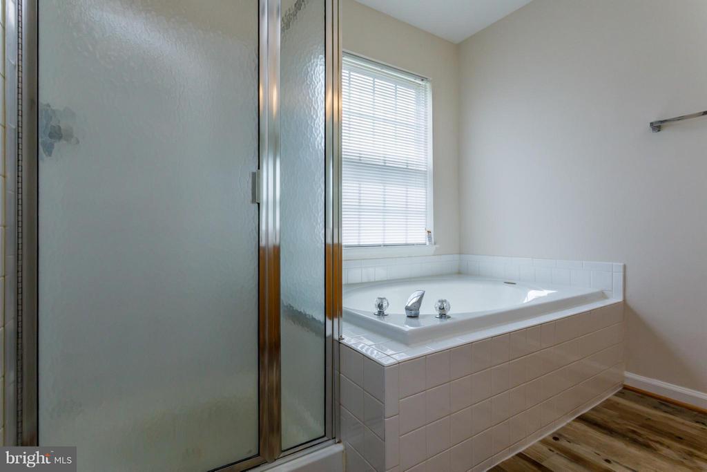 Bath (Master) - 11120 GANDER CT, FREDERICKSBURG