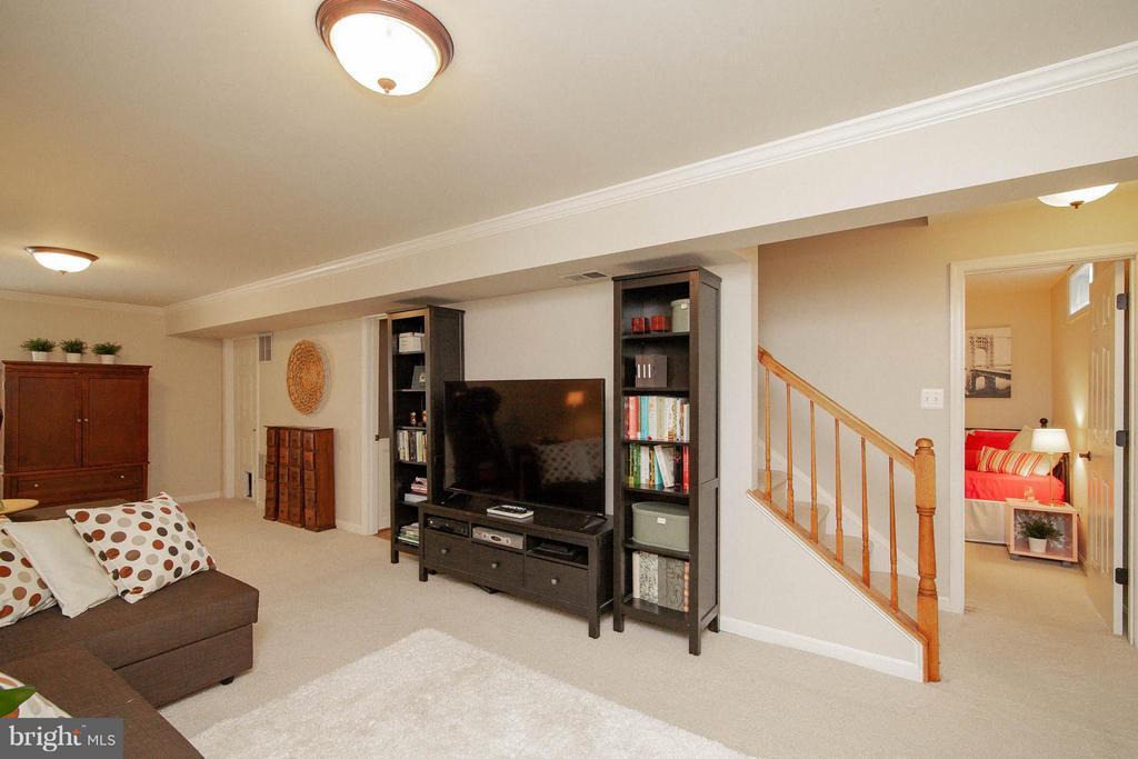 Basement Rec Room - 14951 SLIPPERY ELM CT, WOODBRIDGE