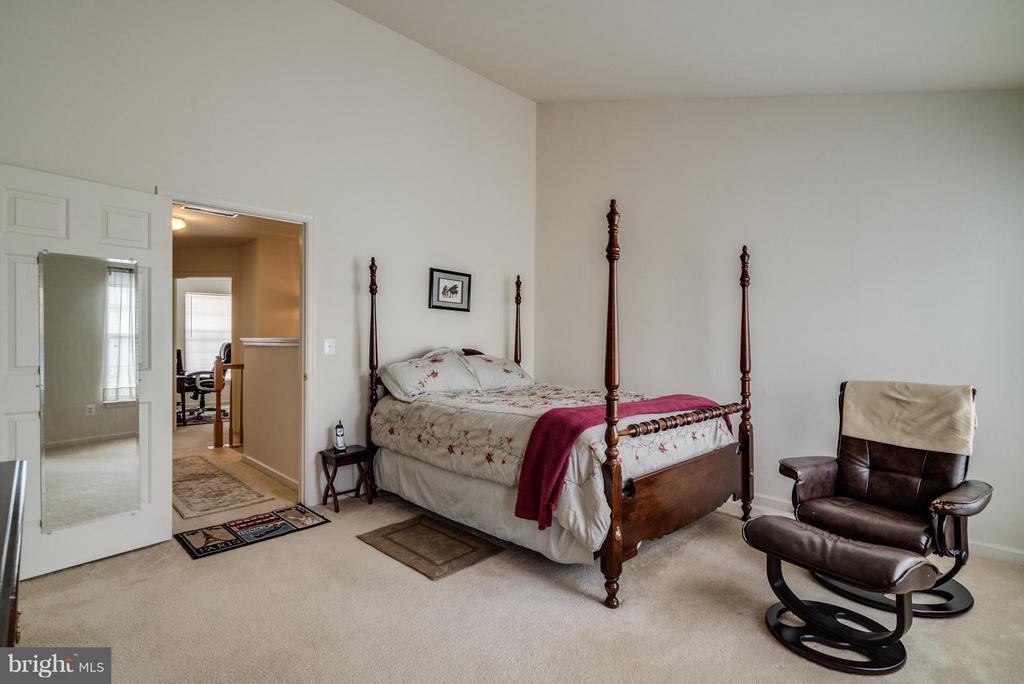 Bedroom (Master) - 4709 LAURIEFROST CT, ALEXANDRIA