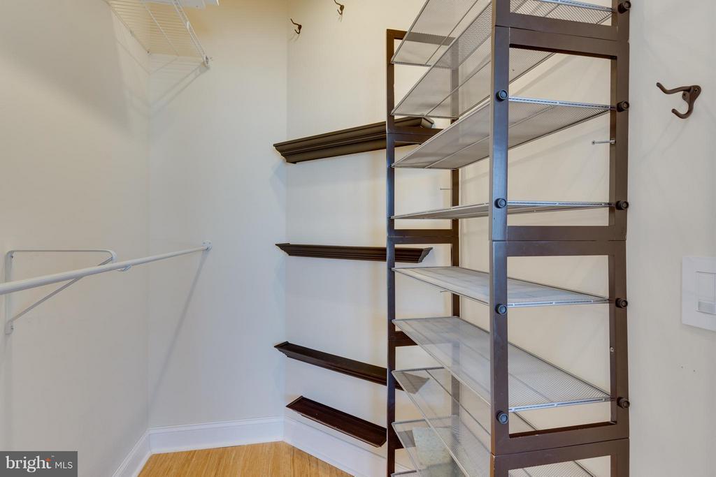 Bedroom (Master) Walk-In Closet - 2321 25TH ST S #2-415, ARLINGTON