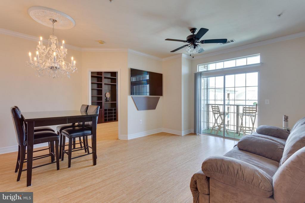 Living Room / Dining Area - 2321 25TH ST S #2-415, ARLINGTON