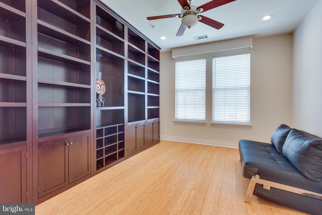 2nd Bedroom with Custom Bookshelves - 2321 25TH ST S #2-415, ARLINGTON