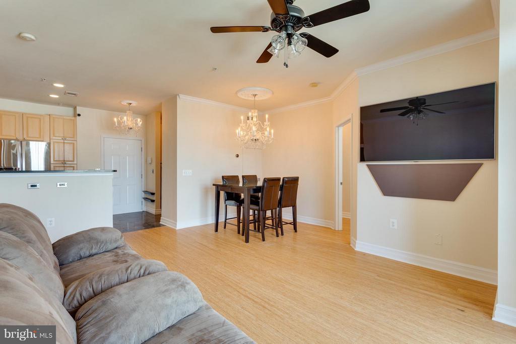 Living Room - 2321 25TH ST S #2-415, ARLINGTON