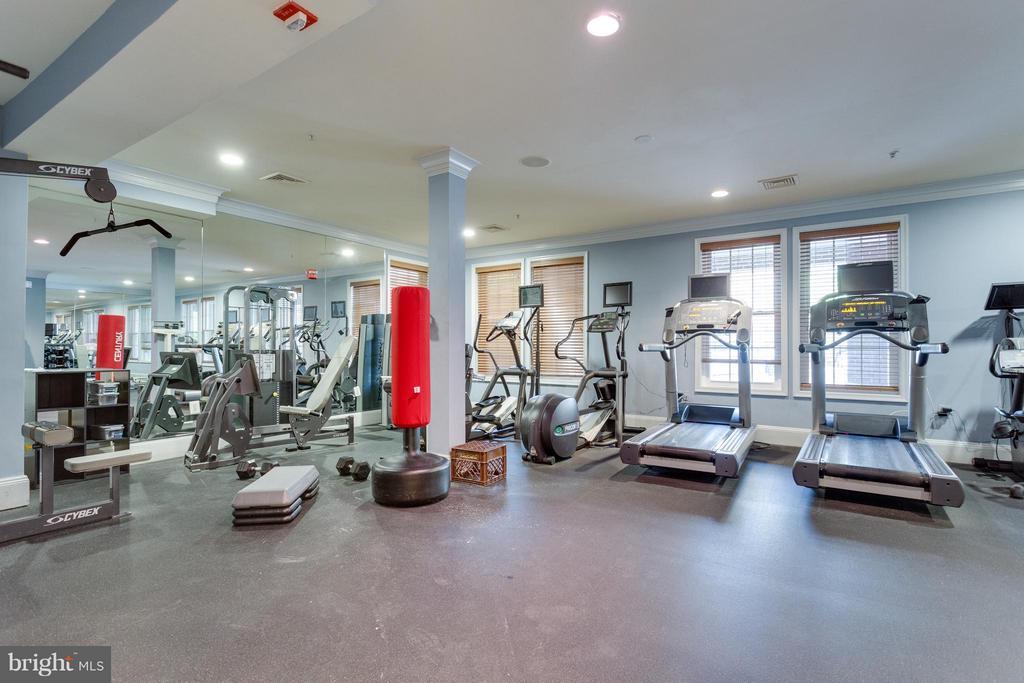 Community Fitness Center - 2321 25TH ST S #2-415, ARLINGTON
